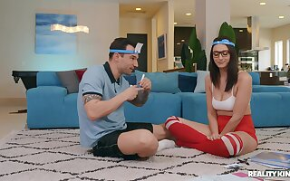 Nerdy young babe fucks with her personal trainer at home