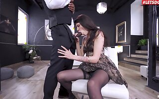 Deep fucked in both holes after she throats the BBC feel attracted to a whore