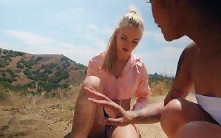 Lana Sharapova reciprocates Avery Black giving her cunnilingus