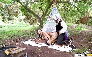 Aborigine babe fucked adjacent to a very intriguing outdoor role play