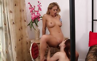 Karlie Montana & Cherie DeVille in hot pussy licking session