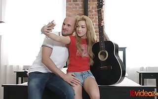 Selfies amp  Guitars fit pile up as Hoes amp  Cocks