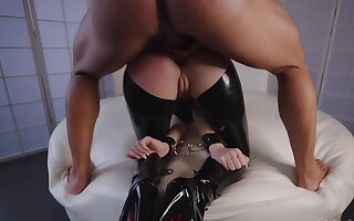Bearded master fucks succulent ass be beneficial to the latex slave in doggystyle