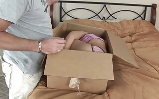 Compact pussy doll, special delivery!
