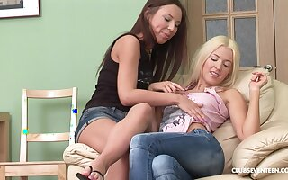 Teen lesbian Anna P gently kisses and eats out her best friend's pussy