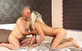 Old hairy pussy Stupefy your girlpal and she purposefulness screw