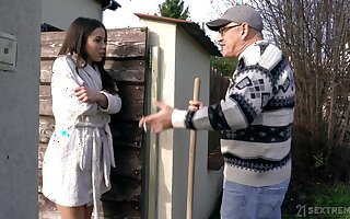 After kissing older neighbor bootyful babe Anastasia Brokelyn gives him a high-pressure