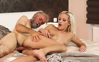 Old young creampie Surprise your girlplaymate and she
