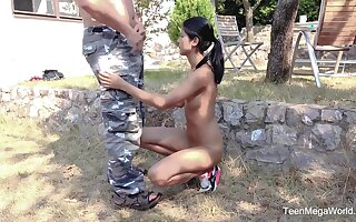 Skinny amateur Lady Dee spreads her legs be advantageous to an older neighbor