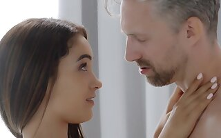 Spanish Designing Lady Pounded Intensely - Ginebra bellucci