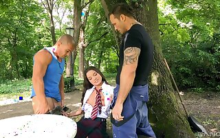 MMF threesome in outdoors at hand pussy and ass fucking for Anita Bellini